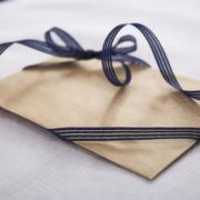 結婚祝いに、メッセージカードを添えて。祝福の気持ちがきっと伝わるアイテムまとめ