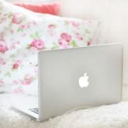 PCだってかわいらしく♡誕生日プレゼントに女子力高めOL愛用のパソコン