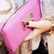 彼女の誕生日におすすめ♡ブランド新作の財布をプレゼント