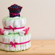 出産祝いにおむつケーキを!SNSで話題、心温まるプレゼントアイデア特集