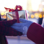【5000円以内】想いよ届け!片思いの彼に贈りたいクリスマスプレゼント