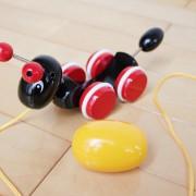 新生児に知育おもちゃをプレゼント。出産祝いに選びたい、すくすく学べるアイテム集
