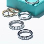 一生愛されるモノを♡大切な彼女の誕生日に指輪をプレゼント
