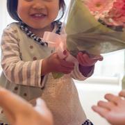 友達の子供へプレゼント。誕生日、重くならずに贈れる好印象ギフトはコレ。