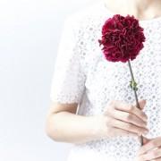 母の日にプリザーブドフラワーを。お花とセットでさらに嬉しい、おしゃれギフトを