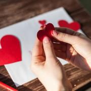 母の日に贈るメッセージカード選び。感動を呼ぶ、喜ばれカードのアイデアとは?