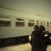 【世界のアニバーサリー】恋人の日には、離れていても想えるフォトフレームを贈ろう