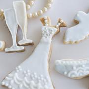 結婚祝いにお菓子という選択を。夫婦二人に幸せ運ぶ、愛らしいスイーツ特集