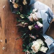 記念日には忘れられない花束を。個性が光る、花屋でデザインブーケを贈る