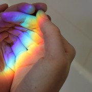 7月16日は虹の日。大切な人にに明るい未来をもたらす、レインボーギフト特集