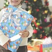 3歳向けクリスマスプレゼント特集。男の子に贈る、心と体を育むおもちゃ14選