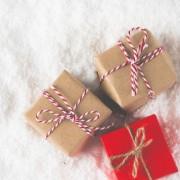 0歳の赤ちゃんへの初クリスマスプレゼントは、長く使える喜ばれアイテムを選ぼう