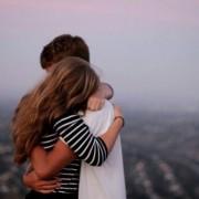 遠距離こそ愛を深めるチャンス。離れていても2人の絆を強めるプレゼント&コツ5つ
