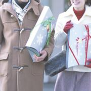 クリスマスプレゼントを一緒に買いに行くならココ。人気ショップとおすすめギフト集