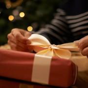 付き合いたての彼氏へ贈るクリスマスプレゼント。女性必見!喜ばれるアイテム10選