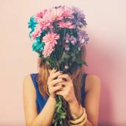 キモチ伝わるお花。バレンタインに一緒に贈りたいフラワーアイテム5選