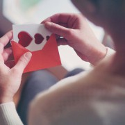 本命へのバレンタインは手紙を添えて。思わずきゅんとくる文例と心伝わるギフト特集