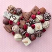 職場でわたすバレンタインチョコレート。相手別に選ぶおすすめスイーツリスト