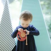 出産祝いに楽器のおもちゃを。音楽に親しむ、学びあるプレゼント特集