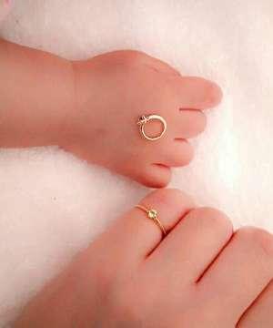 http://zozo.jp/shop/agete/goods/15069197/?did=32173902&kid=13062