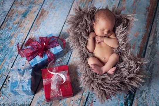 http://weheartit.com/entry/153040607/search?context_type=search&context_user=Kristina_Kika&page=13&query=baby+gift&sort=most_popular