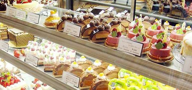 http://www.cakechef.info/shop/toshi_yoroizuka/menu/