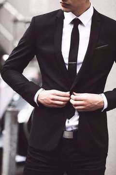 http://weheartit.com/entry/214419177/search?context_type=search&context_user=M_ontseGH&query=suit