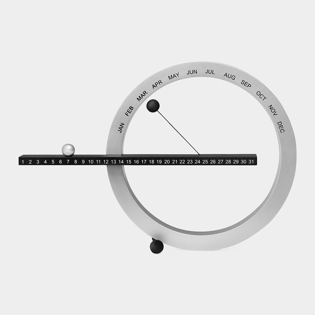 MoMA パーペチュアルカレンダー S ブラック/シルバー